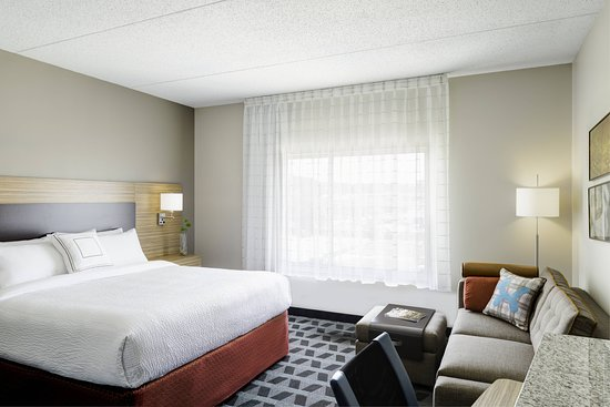 TownePlace Suites Gallup: Suite