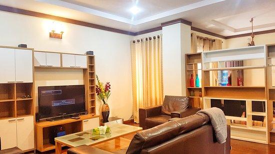Bhatbhateni, Nepal: A spacious living area