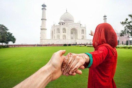 Taj Mahal Tour av Gatimaan Train