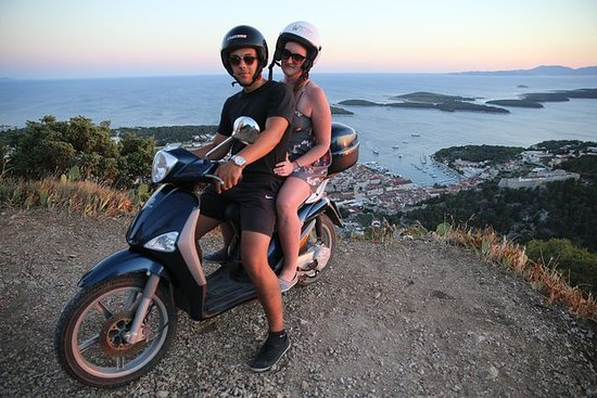 Aluguel de scooter 50cc Hvar
