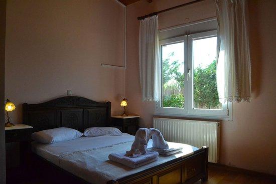Gyra Villas: Villa Adonis 2 guests