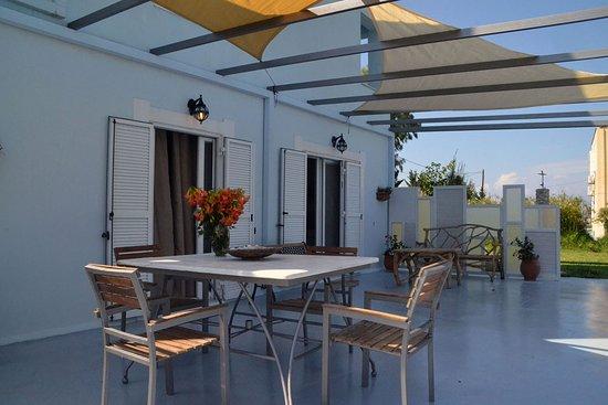 Gyra Villas: Villa Aris-3bedrooms