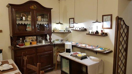 Hotel Il Convento: Petit-déjeuner complet.