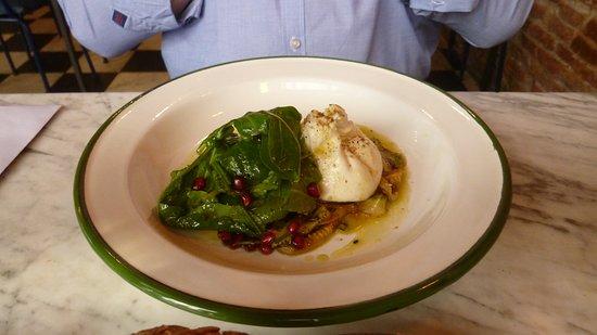 Jacinto cafe & restaurant: Salada com burrata.