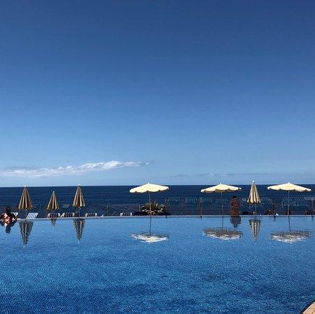 Bahia Principe Sunlight Tenerife: Infinity pool