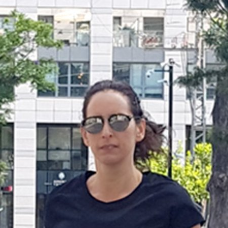 Tel-Aviv, Izrael: Me at Sarona Market