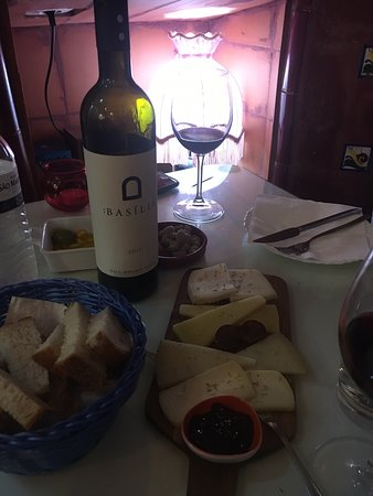 Excellent new wine and tapas place