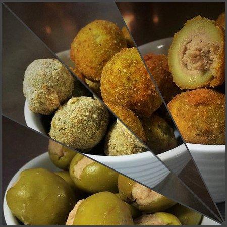 I passaggi delle olive rigorosamente fatte giornalmente a mano . 😋