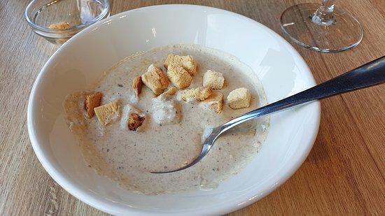 Shokoladnitsa: Легендарный грибной крем-суп