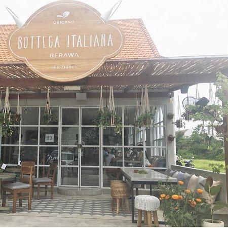 Bottega Italiana Berawa: exterior