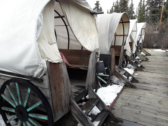 Carcross, Canada: Chuck Wagons places to eat