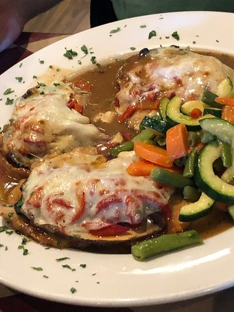 """Port Chester, NY: Two AMAZING dishes that were on the 'Specials' List! The Creamy Pesto Sauce with Spinach, Grilled Chicken and Zucchini too! It WAS FABULOUSLY DELICIOUS!!!  Would highly recommend coming here to dine in or take out... It's Authentic Italian at its best in our opinion! Everyone is friendly and polite and the aroma as you enter...well, it's pizza and MORE! A """"must try!"""" Enjoy❣️👍👏😋"""