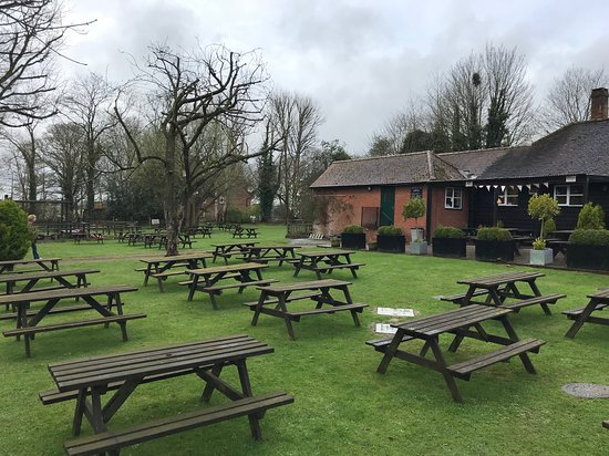 Sarratt, UK: The Cock Inn is set in beautiful grounds with a covered terrace, large garden and children's play area. Great local walks in the Chess Valley and very popular with walkers, ramblers, cyclists. Dog friendly with plenty of water bowls dotted around