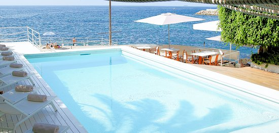 Zhero Beach Club: Pool and sea view at #zherobeachclub