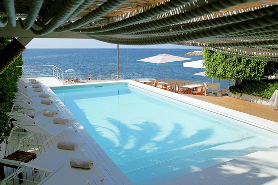 Zhero Beach Club: Pool and sea view at #zheroboathouse !