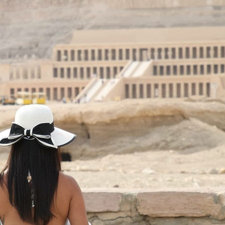Usamitas Tours: Daniela Templo de HATSPSUT