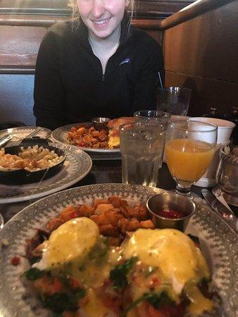 Top notch breakfast/lunch