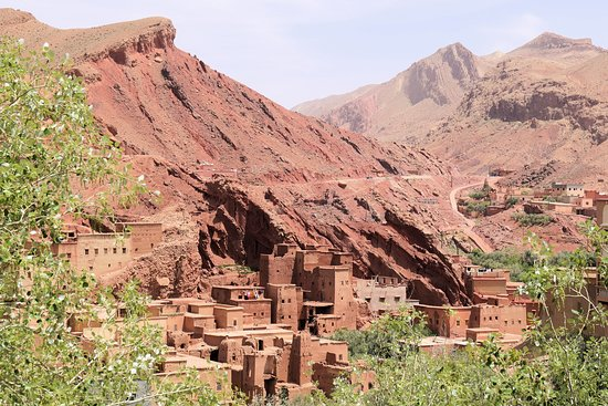Morocco: Oasis and Trekking in the Desert of Erg Chigaga: Daades-Tal