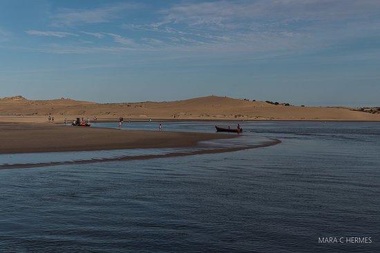 Vista da Barra entre arroyo e Valizas.