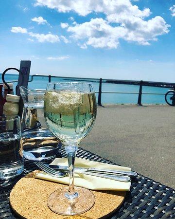 Wine in the sunshine 🌞