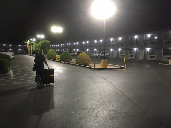 Surestay Hotel by Best Western Phoenix Airport: Econo Lodge Airport