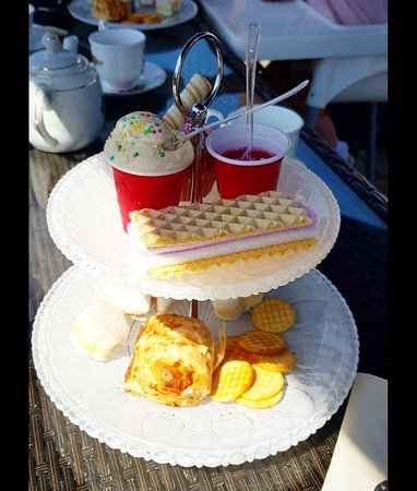 Afternoon tea in the sun