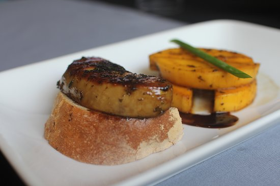 Le Rendez Vous: Foie gras with mango and martini wine