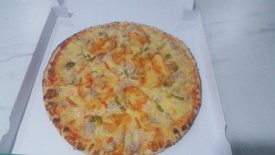 La Monnerie-le-Montel, فرنسا: Pizza cuite au feu de bois vous accueil avec un grand plesir