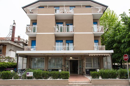 Hotel Cimarosa Prices Guest House Reviews Riccione Italy