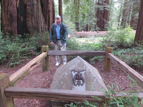 La Honda, Californië: Islam Redwoods Shrine  Dedicated 1924