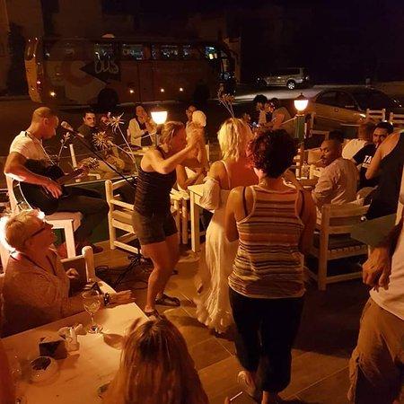 Karibu bar & Restaurant - El Gouna