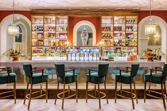 The Met: The Bar