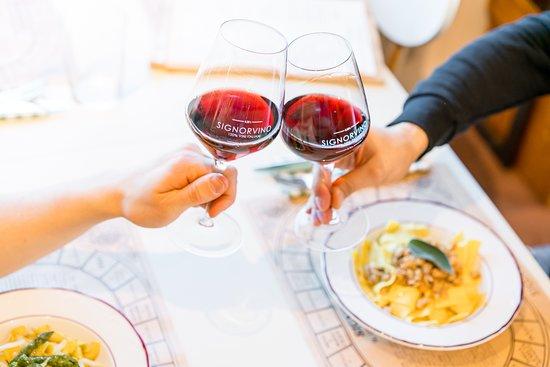 Castel Romano, Italy: Signorvino - 100% Vini Italiani