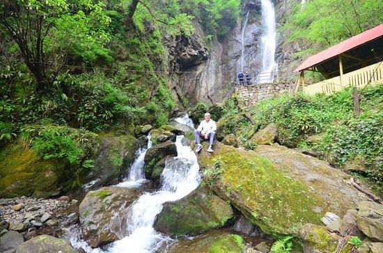 Keda, จอร์เจีย: Водопад Махунцети