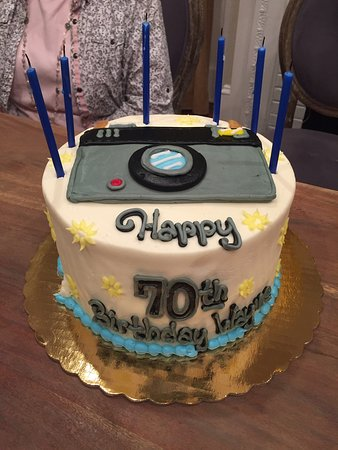 Moms 60th Birthday Cake Bakers Pride Bakery Camera For My Dad A Photographer