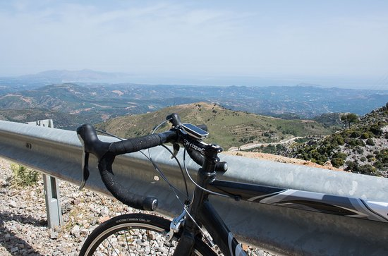 Lakkoi, กรีซ: On my my roadbike heading for the white mountains. Cycling from Platanias to Omalos and the start of the Samaria gorge is a great way to discover crete