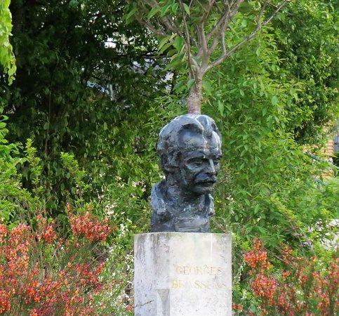 Buste de Brassens