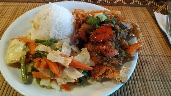 Tuk Tuk Indonesisches Restaurant: Bebek Goreng Bumbu Matah nach Bali Art