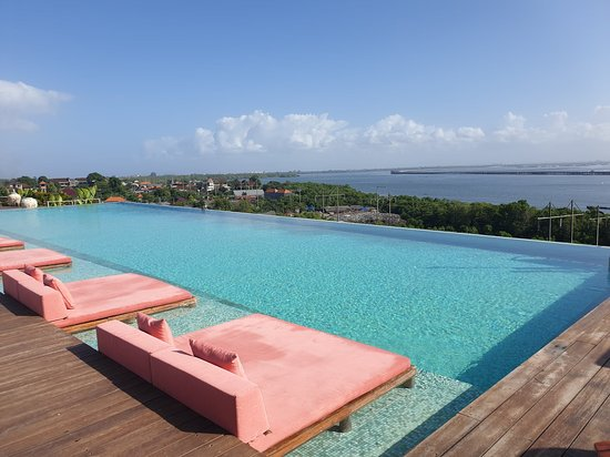 Perfect paradise for a relaxing break, beautiful hotel and equally beautiful staff!