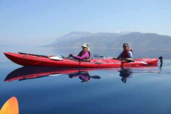 全天导游的Lefkada私人旅游皮划艇,浮潜和海滩