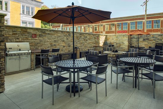 TownePlace Suites by Marriott Parkersburg: Exterior