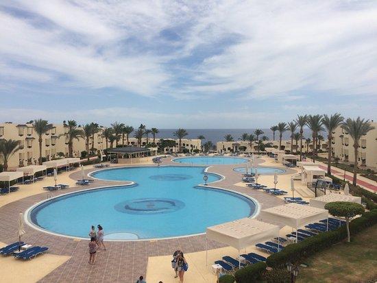 Grand Oasis Resort: вид из террасы ресторана