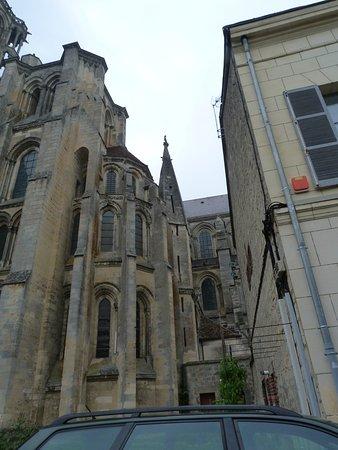 petites rue vers la cathédrale