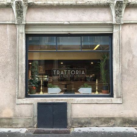 Les vitrines de la rue Bailly