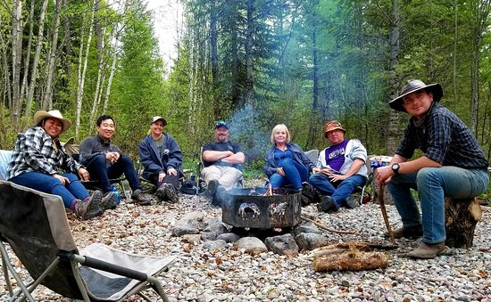 Swan Lake, MT: Cowboy Cookout Trail Ride in West Glacier