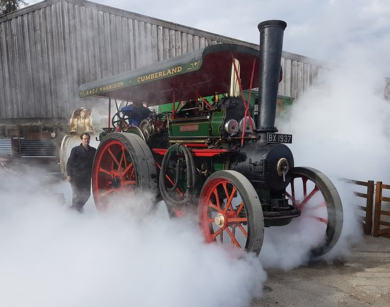 Traction Engine Driving Experience