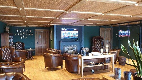 Cigar Lounge 33