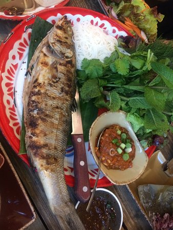 Lao Cafe: Grilled fish