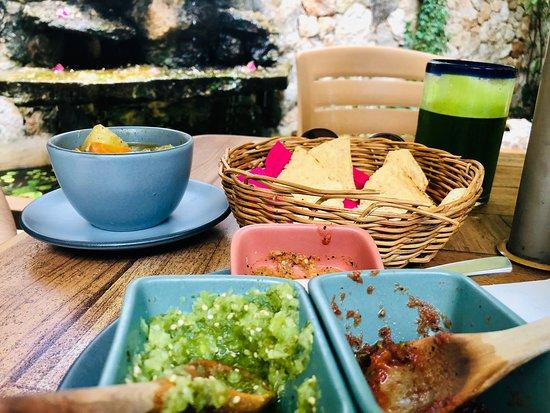 Yerbabuena del Sisal Restaurante: ¡Exquisito lugar! muy relajado, restaurante muy cercano a ser solo vegetariano