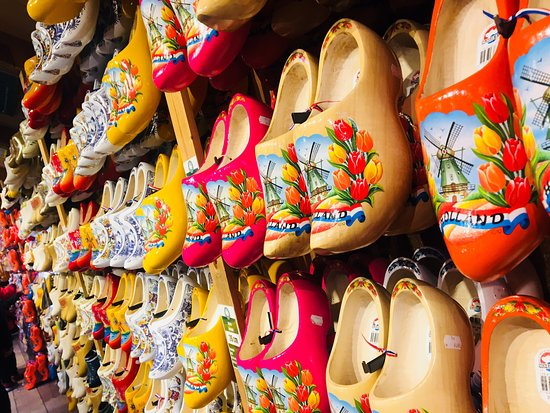 Kooijman Souvenirs & Clogs Wooden Shoe Workshop